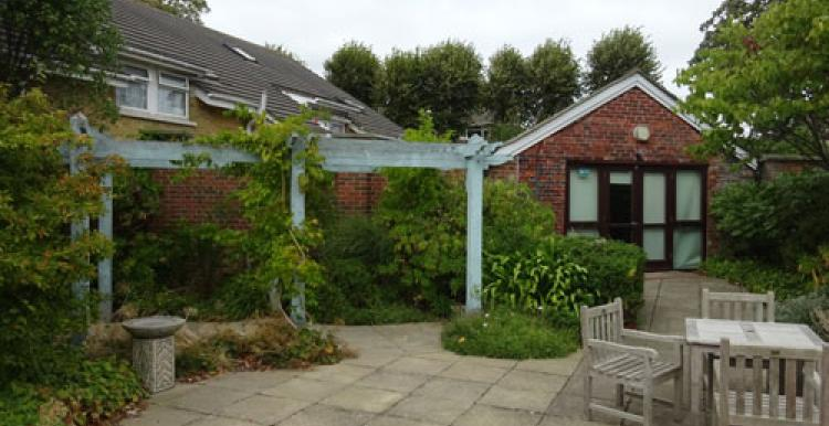 Orchard Close Care Home, Haylings Island Courtyard
